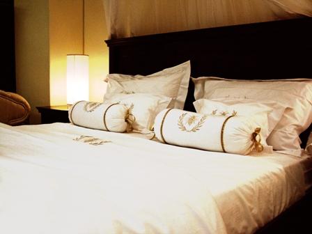 Futonbett-Polsterbett-Betten-Check